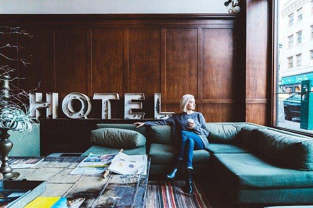 hotelová hala.jpg