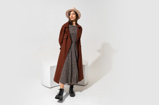winer-fashion-look-stylish-brunette-model-brown-coat-ankle-boot-black-leather-posing_273443-3767